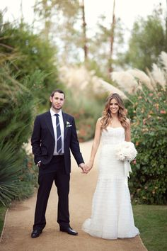 Photography: http://birdsofafeatherphoto.com/ | Event coordination: http://mindyweiss.com/ | Flowers: http://marksgarden.com/ | Read More: https://www.stylemepretty.com/2012/02/16/palm-springs-wedding-by-birds-of-a-feather/