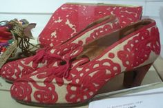 Hungarian Embroidery Shoes with embroidered traditional folk motifs from Kalotaszeg, Transylvania Hungarian Embroidery, Learn Embroidery, Modern Embroidery, Embroidery Art, Embroidery Stitches, Embroidery Patterns, Embroidery Techniques, Chain Stitch, Cool Patterns
