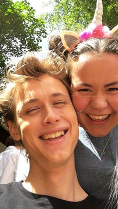 AW Henrik and Ina in Henrik's insta story today❤️ (june,12th, 2017) Today was the last day of filming season 4. and I'm sad. But these two bring a smile on my face. #skam#henrikholm#evak#inasvenningdal#isakandeven#isak#even#chrisberg#skamseason4