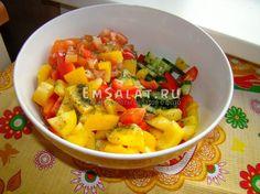 """Салат """"Светофор"""" из овощей - http://emsalat.ru/salad_veget/salat-svetofor-iz-ovoshhey.html"""