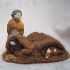 Twig and Toadstool: Root Children - story for spring - felted dolls for story Waldorf Crafts, Waldorf Dolls, Wet Felting, Needle Felting, Spring Nature Table, Felt Fairy, Winter Activities, Spring Crafts, Felt Crafts