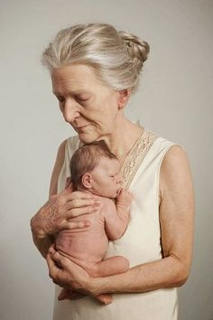 Ray Breda: The Hyperrealist Sculptures by Ron Mueck
