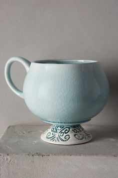 Chilled Sky Mug - anthropologie.eu