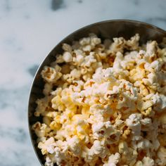 Popcorn Recipes, Snack Recipes, School Snacks For Kids, Healthy Snacks, Healthy Eating, Nutritional Yeast Recipes, Pop Corn, Organic Butter, Base Foods