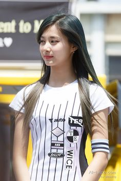 ♡ [ Official Thread of Chou Tzuyu ] NEW OP incoming! ⇀ Poll updated ⇀ The Most Beautiful Face of 2019 ヽ(♡‿♡)ノ M Beauty, Asian Beauty, Kpop Girl Groups, Kpop Girls, Chou Tzu Yu, Tzuyu Twice, Beautiful Asian Girls, T Shirts For Women, Sexy