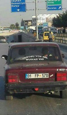 Kaskosu yok ama muskası var #arabaarkasıyazılar #mizah #matrak #espri #komik #şaka #gırgır #sözler #güzelsözler #komiksözler