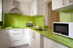 Apartment to rent in City Center (9 people) #vacaciones #viviendas #verano #Barcelona #design #holidays #apartamentos #green #kitchen Para más info: holidays10.com/