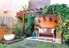 Jardim com pergolado maravilhoso! <3