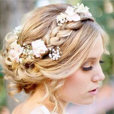 Side braid + soft waves + low bun = perfect and super pretty wedding updo. Find more wedding inspiration #fromthomas – on Pinterest and http://instagram.com/thomasjewellers/ #thomasjewellers #ilovethomas