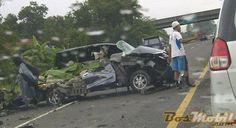 #KecelakaanMaut  Nissan Juke VS Daihatsu Xenia Tewaskan Nyaris 1 Keluarga