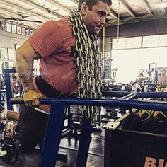 When wearing a GASP Branch Warren Tee... You must wrap chains over you and train insane... ------------- GASP top and shorts supplied by @activewearonline  go and check them out for all the best gear in Australia  ------------- http://www.activewearonline.com.au ------------- #train #insane #traininsane #gym #gymlife #lifestyle #branchwarren #chains #dips #chest #intensity #activewearonline #activewear #betterbodies #pushpullgrind #grind #muscle #ifbb #npc #pump #swole #dohertysgym #igdaily…