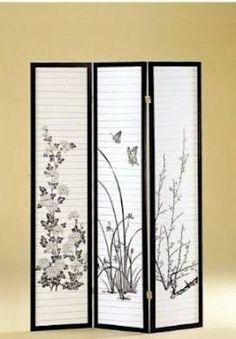 Japanese folding screen in our living room Bamboo Room Divider, Glass Room Divider, Room Divider Screen, Room Screen, Room Dividers, Bamboo Design, Wood Design, Japanese Room Divider, Asian Inspired Bedroom