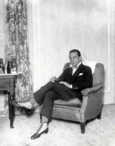 Rudolph Valentino pin-striped suit w/striped socks and dress boots Golden Age Of Hollywood, Hollywood Glamour, Old Hollywood, Silent Film Stars, Movie Stars, Rudolph Valentino, Horsemen Of The Apocalypse, Striped Socks, Dress With Boots