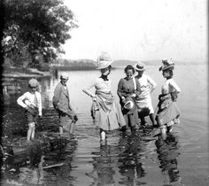 shoplucilles:wading in the lake