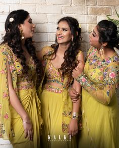 Detailing of embroidery with zardose work and cut dana and. Western Gown, Western Dresses, Kurta Designs, Saree Blouse Designs, Bridal Dresses, Bridesmaid Dresses, Bridesmaids, Mehndi Dress, Plain Dress