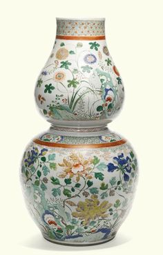 A large famille-verte double-gourd vase, Qing Dynasty, Kangxi Period (1662-1722)
