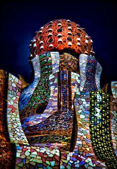 Antoni Gaudi - Parc Guell in Barcelona, Spain Art Nouveau, Art Deco, Parks, Beautiful Architecture, Art And Architecture, Barcelona Architecture, Historic Architecture, Places Around The World, Around The Worlds