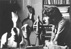 1946 Jeanne Mammen mit Plastiken in ihrem Atelier in Berlin. K-L-Haenchen Berlin, Artist Art, Couple Photos, Sharks, Studios, Plastic, Female, Women, Weimar