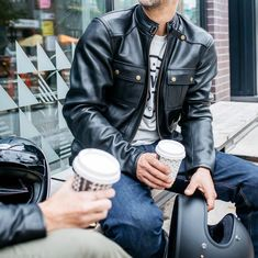 The Duke Leather jacket from Blackbird Motorcycle Wear is a new one at the shop this season. It comes with removable CE-approved shoulder, elbow and back armor and has high build and finish quality. It's a stylish cut jacket that looks great no matter what you're riding!