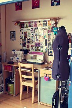 1000 images about bureau couture on pinterest machine a bureaus and atelier. Black Bedroom Furniture Sets. Home Design Ideas
