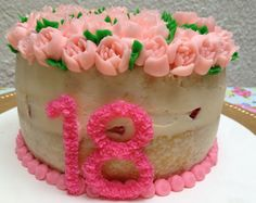 Buttercream flowers by Arte, amor y sabor repostería personalizada flower noozle cake