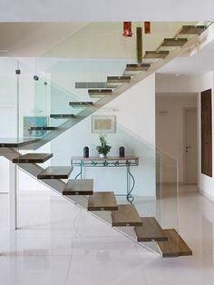 מדרגות קורה ישרה