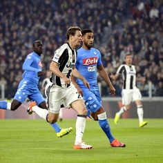 Stefan #Lichtsteiner contro Faouzi #Ghoulam