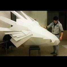 Frankly speaking, I expected it to be big but not that big!  Честно говоря, я ожидал, что он получится большим, но не настолько!  #etagemag #cardboard #cardboardart #lowpoly #lowpolygon #lowpolyart #dragon #art