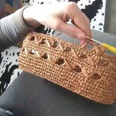 RED Valentino Leather and Crochet Raffia Tote Bag Bag Crochet, Tunisian Crochet, Crochet Purses, Learn To Crochet, Crochet Baskets, Crochet Stitches Patterns, Purse Patterns, Sewing Patterns, Crochet Videos