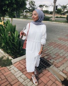 Hijab Fashion 151433606207187320 - you can, you should, and if you're brave enough to start you will -stephan king Source by eoualidi Hijab Fashion Summer, Modest Fashion Hijab, Modern Hijab Fashion, Hijab Fashion Inspiration, Muslim Fashion, Fashion Outfits, Stylish Hijab, Hijab Chic, Modest Summer Outfits