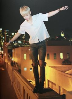 Wonho please get down from there! You're scared of heights too!