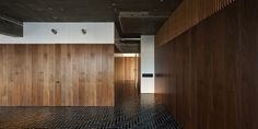 Wood panneling vs. exposed concrete ceiling. Love it. Y House by Shimokawa