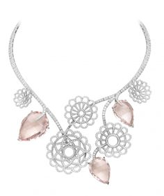 A beautiful  necklace #LadyLuxe #byMario #ChicagoSpa