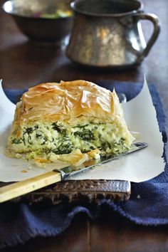 Creamy Spinach Pie Amateur Cook Professional Eater - Greek recipes cooked again and again Greek Spinach Pie, Creamy Spinach, Spinach Puff, Spinach Lasagna, Frozen Spinach, I Love Food, Good Food, Yummy Food, Quiches
