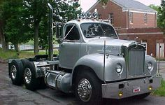 .The first truck I drove on the highway was a truck like this, with a 5 and 3 Tranny.