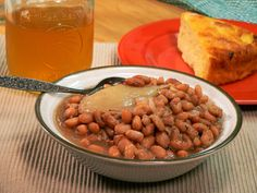 Old fashioned pinto beans are a MUST for Easter dinner.) Ms Sally's Southern Pinto Beans Recipe Vegetable Side Dishes, Side Dishes Easy, Side Dish Recipes, Veggie Recipes, Crockpot Recipes, Soup Recipes, Cooking Recipes, Main Dishes, Ww Recipes