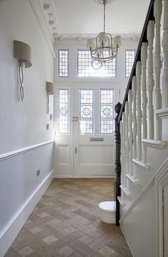 This is a newly renovated bedroomed Victorian semi-detached house, offering approx ft of accommodation over four floors. 1930s House Renovation, 1930s House Interior, Victorian House Interiors, Victorian Home Decor, Victorian Homes, Victorian Bedroom, Edwardian Hallway, Edwardian House, Victorian Terrace House