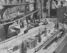 Train set in Christmas store display, USA Christmas Train, Christmas Scenes, Christmas Images, Vintage Christmas, Christmas Windows, Christmas Store Displays, Store Window Displays, Christmas Village Display, Christmas Decorations