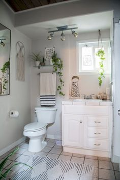 Awesome 80 Incredible DIY Bathroom Renovation Ideas https://cooarchitecture.com/2017/05/08/80-incredible-diy-bathroom-renovation-ideas/