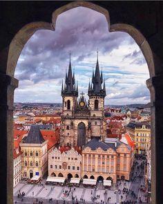 #kings_villages 🏆The Artist 👉@manuelo_bo 🎊 . Location: Prague Czech Republic
