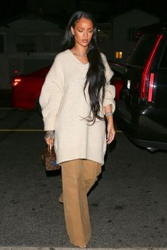 Rihanna Marches Into Fall With a Whole New Look http://ift.tt/2d3HNjY #Vogue #Fashion