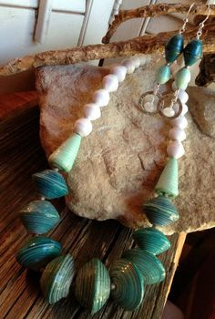 Paper beads necklace & earrings?