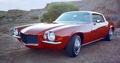O Camaro 2 era mais comprido, largo e mais baixo que o primeiro