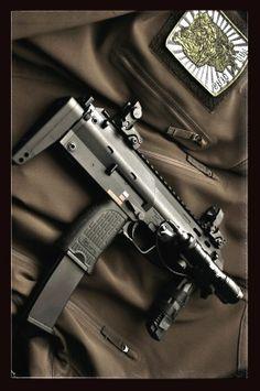 ★HK MP-7