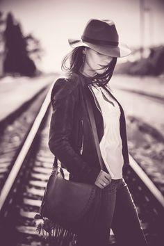 waiting II. by Romana Pavlova Chudikova on 500px