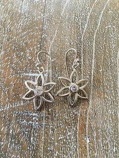Silpada-925-Sterling-Silver-Cubic-Zirconia-Flower-Earrings-Retired-RARE-W1383