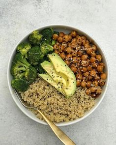 Sticky Sesame Chickpeas (Vegan) Easy, flavorful, and packed with plant protein, this sesame vegan chickpea recipe is a quick and healthy dinner the whole family will love. Chickpea Recipes Easy, Healthy Dinner Recipes, Whole Food Recipes, Vegetarian Recipes, Healthy Vegan Meals, Vegan Recipes Easy Healthy, Quinoa Recipe, Vegan Food, Vegan Easy