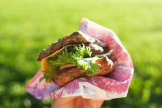 Aasialaiset possuburgerit ja majoneesin loputon virta