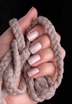 Nail art - elegant pink nails