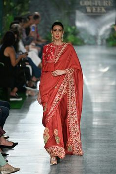 Indian Designer Rahul Mishra's Collection at India Couture Week 2018 #indiancoutureweek #Coutureweek #RahulMishra #EthinicWear
